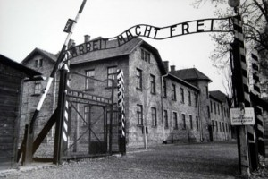 pic-A-U-Auschwitz concentration camp gate
